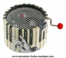 vente bo te musique manivelle ronde en carton bo te musique manivelle avec touches de. Black Bedroom Furniture Sets. Home Design Ideas